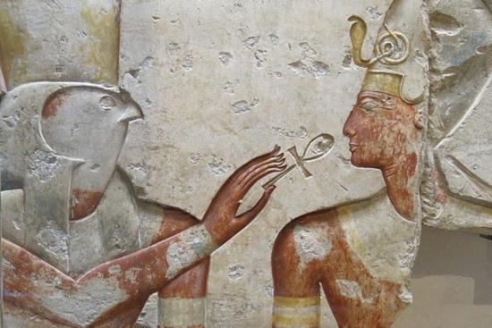 El dios Horus ofreciendo el Ankh a Ramsés II